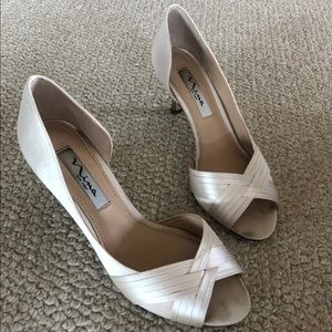 Nina Contesa Satin d'Orsay pumps